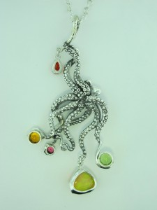 Octopus pendant with jewels back side