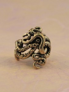 Octopus Tentacle Twist Ear Cuff Bronze