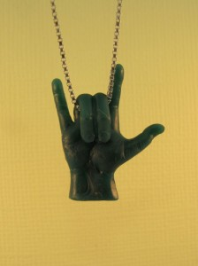 I Love You_Hand symbol pendant_front